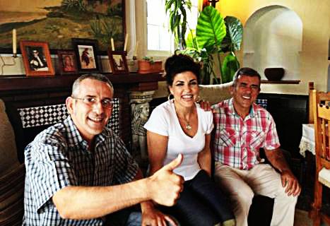 Carlos, Isabel y José, los simpatiquísimos dueños de Las Rejas, en Bolonia